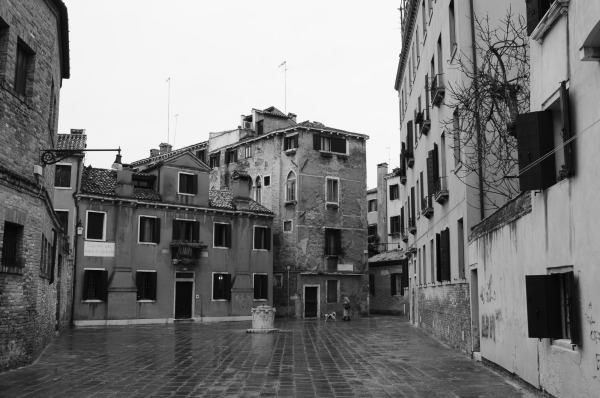 Vacant venice, black and white